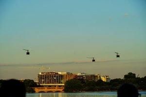 アメリカの空を飛ぶヘリコプター
